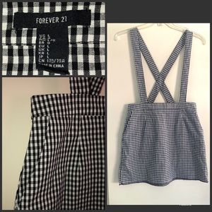 FOREVER 21 Black/wht Gingham skirt suspenders sz L